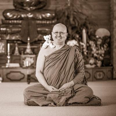Bagaimana Cara Berdamai Dengan Diri Sendiri Ala Ajahn Brahm